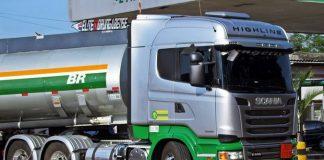 APetrobras aumentou os preços médios da gasolina em suas refinarias em 4% sábado (10). Por sua vez, enquanto o diesel teve aumento de 5%.