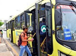 se propagado com maior intensidade em regiões da capital paulista onde os moradores dependem mais de transporte público para trabalhar.