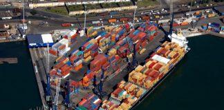 O Porto de Santos registrou, em janeiro de 2020, o maior movimento de contêineres para o mês. A marca foi de 338.476 TEU (medida padrão equivalente a um contêiner de 20 pés)