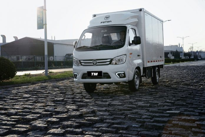 A Foton começa a testar no Brasil um novo modelo de caminhão desenvolvido para atender às operações de logística urbana.