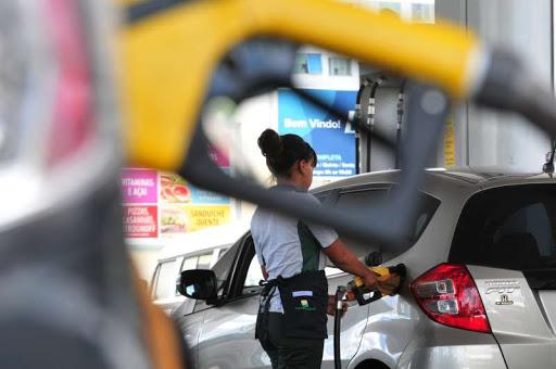 De acordo com a Associação Brasileira dos Importadores de Combustíveis (Abicom), a Petrobras informou às distribuidoras que vai reduzir o diesel