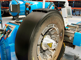 A Bridgestone, fabricante de pneus, se uniu à rede de parceiros Bandag Truck Service para doar recapagens de pneus. Dessa forma, as empresas pretendem