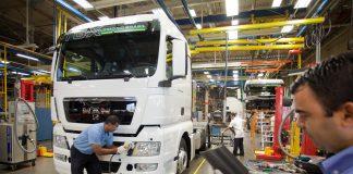 Recentes indicadores de que o ano não será tão ruim como previsto no início da pandemia não vão ajudar a salvar empregos na indústria automobilística.