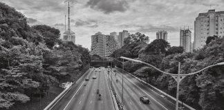 A Prefeitura de São Paulo começou a interditar algumas das principais vias da cidade a partir de hoje, 04. Dessa forma, o objetivo é restringir