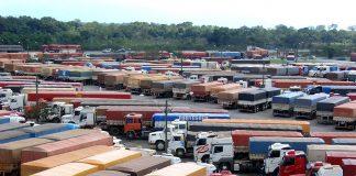 De acordo com dados da FENABRAVE – Federação Nacional da Distribuição de Veículos Automotores, as transações de caminhões usados