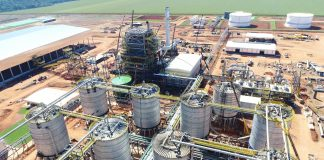 De acordo com a Scot Consultoria, desde meados de março, as usinas de etanol (milho e cana)sofrem com a retração do consumo de combustíveis,