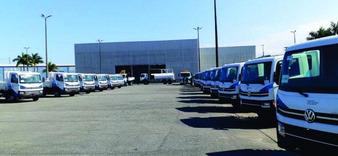 Em meio às necessidades de reforçar serviços de higienização e medidas sanitárias, a Prefeitura de Praia Grande adquiriu 21 novos caminhões