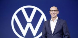 A partir de 1º de julho de 2020, a marca Volkswagen será dirigida por seu anterior COO, Ralf Brandstätter. No Conselho de Administração do Grupo, Brandstätter