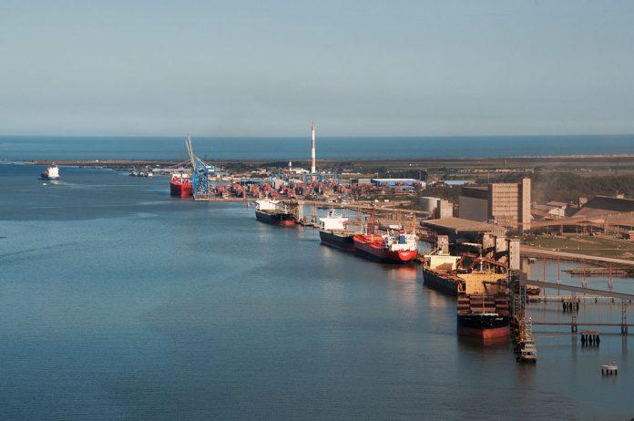 Os TUPs (Terminais de Uso Privado) movimentaram 249,7 milhões de toneladas de cargas nos primeiros quatro meses de 2021. Dessa forma, o número