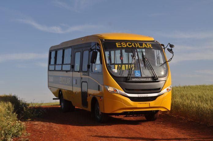 A IVECO BUS iniciou a entrega do primeiro lote com 84 veículos para estados e municípios conveniados à iniciativa do Ministério da Educação.