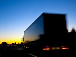 A Ecovias acaba de desenvolver o Drive Thru Pela Vida. Ação voltada para caminhoneiros. Assim, emhorário diferenciado das demais ações da