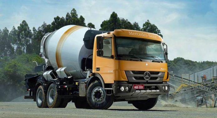 Os caminhões Atego 2730 6x4 versão betoneira trazem cada vez mais bons frutos para a Mercedes-Benz. A montadora negociou a venda de 80 unidades para a Unidas Trucks,