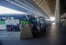 Com o vencimento do decreto que suspendia ônibus interestaduais, ou seja, vindo de outros estados, este serviço já pode voltar a funcionar em Santa Catarina
