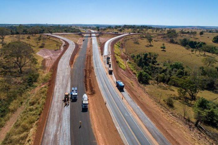 A concessionária Eco050 entregou ao tráfego, nos últimos dois meses, quatro novos trechos duplicados na BR-050. Dessa forma