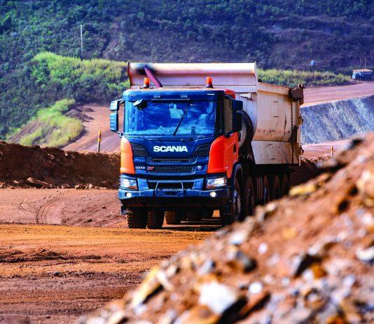A Scania apresenta ao mercado seu novo veículo de configuração 10x4. Dessa forma, o Scania G 540 10x4/6 XT Heavy Tipper