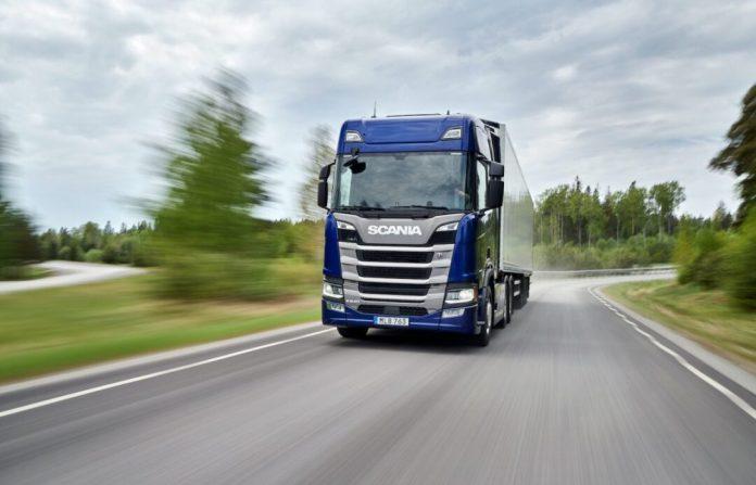 O Scania R 540 recebeu o prêmio Green Truck 2020 em análise na Europa por ser o modelo mais econômico. Consumir menos combustível significa menores