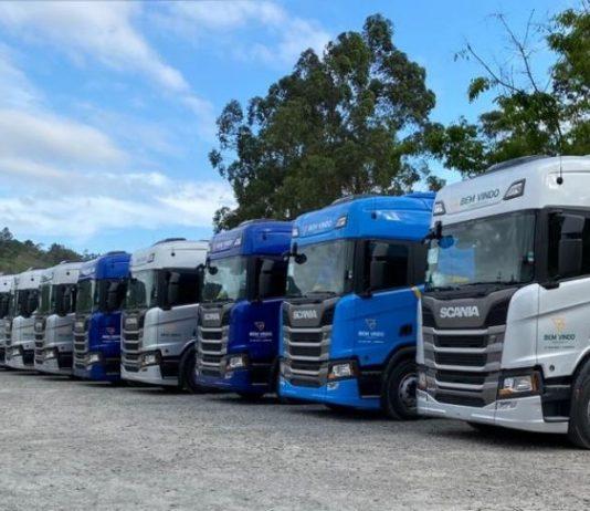 A transportadora Posto Bem Vindo acaba de adquirir 32 caminhões Scania, dos modelos R 450, R 500 e R 540. Dessa forma, os veículos serão utilizados