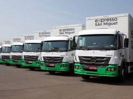 A transportadora Expresso São Miguel acaba de adquirir 77 caminhões Mercedes-Benz. Dessa forma, uma das atuais premiadas no prêmio Top do Transporte,