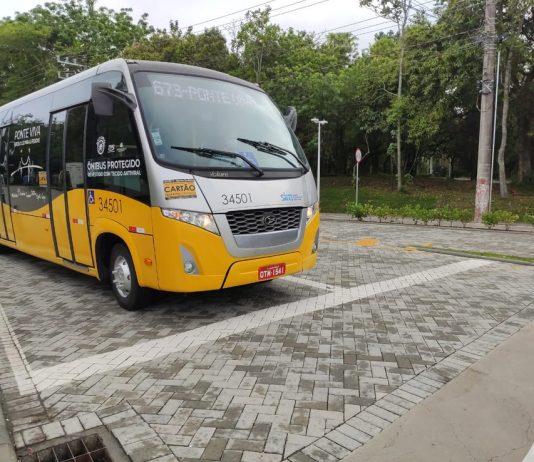 Os ônibus que realizam a linha Ponte Viva voltaram para as ruas do Centro de Florianópolis depois de sete meses nesta segunda-feira (26). Além disso, para trazer