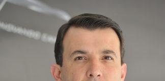 A Marcopolo S.A. informa que Ricardo Portolan assume a partir de hoje a direção de Operações Comerciais MI & Marketing da companhia. Dessa forma,