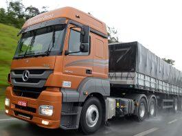 O fluxo de veículos pesados nas rodovias pedagiadas do Brasil cresceu 0,2% em outubro, na comparação com setembro, de acordo com o índice ABCR