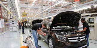 A Mercedes-Benz anunciou nesta quinta-feira (17) oencerramento da produção de automóveis em sua fábrica de Iracemápolis (SP). Dessa forma,