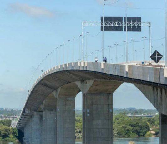 Iniciada em 2014, durante a gestão de Dilma Rousseff (PT), a ponte sobre o rio Guaíba, em Porto Alegre, foi inaugurada parcialmente pelo presidente Jair Bolsonaro