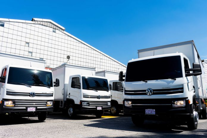 A Volkswagen Caminhões e Ônibus acaba de exportar nove unidades do caminhão VW Delivery 9.170 para a Guatemala. Dessa forma, os veículos