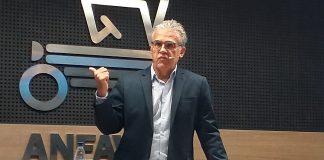 A Associação Nacional dos Fabricantes de Veículos Automotores (Anfavea), através do seu presidente Luiz Carlos Moraes, saiu em defesa das montadoras após