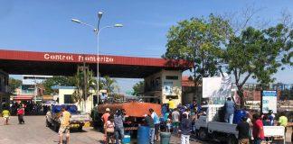 A fronteira entre Corumbá e as cidades bolivianas de Puerto Quijarro e Puerto Suárez, amanheceu nesta terça-feira (12) bloqueada para o tráfego
