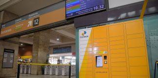 Os Correios acabam de inaugurar uma nova modalidade de entrega no Rio de Janeiro. Assim, a iniciativa envolve o uso de lockers, armários inteligentes