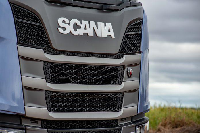 """""""Um ano de muitos desafios"""". Assim o diretor de Vendas de Soluções da Scania no Brasil, Silvio Munhoz, resumiu o ano de 2020 para toda a imprensa especializada,"""