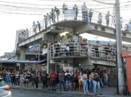 Por causa de uma paralisação de motoristas desde o fim da madrugada desta segunda-feira (1º), os serviços do BRT do Rio de Janeiro estão interrompidos.