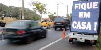 O primeiro dia do recesso prolongado de 10 dias contra a Covid-19 registrou uma queda de 27% nas principais rodovias paulistas que ligam a capital ao litoral ou ao interior.