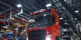 Por causa da alta nos casos de contaminação e mortes de Covid-19 e pela falta de insumos, Scania e Volvo terão suas produções afetadas no país.