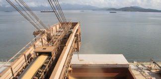 A Companhia Nacional de Abastecimento (Conab) afirma que a capacidade de escoamento de grãos pelos portos deve se esgotar até 2025, no Brasil.
