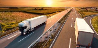 O Governo Federal lançará hoje, 19, por decreto, um pacote de medidas em favor dos caminhoneiros. Dessa forma, a intenção é voltar a se aproximar