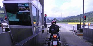As novas concessões de rodovias federais terão isenção de pedágio para motociclistas. Dessa forma, o benefício atende a um pedido do presidente Jair Bolsonaro.