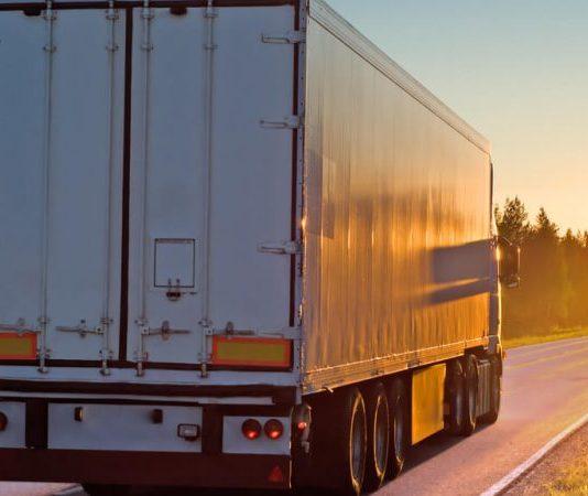 """De acordo com o relatório """"Índice da Movimentação de Cargas do Brasil"""" desenvolvido pela AT&M, a movimentação de cargas no Brasil cresceu 38,63% em 2021."""