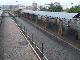 A cidade de Ponta Grossa, Paraná, amanheceu nesta sexta-feira (7) sem transporte coletivo, após uma paralisação de motoristas e funcionários