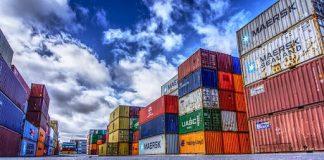 A corrente de comércio (soma de importações e exportações) do Brasil recuou acima da média mundial, em 2020, de acordo com levantamento da CNI.