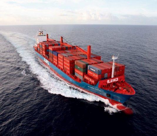 """Os Correios iniciaram, neste mês, as primeiras entregas por cabotagem. Este foi o """"piloto"""" do projeto, que transportou cerca de 430 toneladas"""