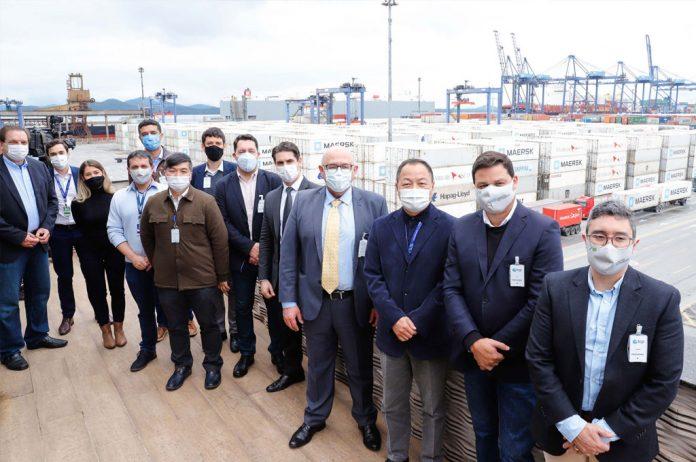 Uma equipe do Ministério da Infraestrutura (Minfra) esteve no Porto de Paranaguá para conhecer parte da estrutura, a visita aconteceu na última terça (22).