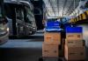 O Melhor Envio anunciou que a transportadora Buslog é a mais nova parceira da plataforma. Dessa forma, lojistas que usam o serviço para cotação