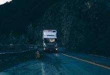 A FreteBras, plataforma online de transporte rodoviário de cargas da América do Sul, realizou um levantamento analisando 130 mil fretes e mais de 300 sinistros.