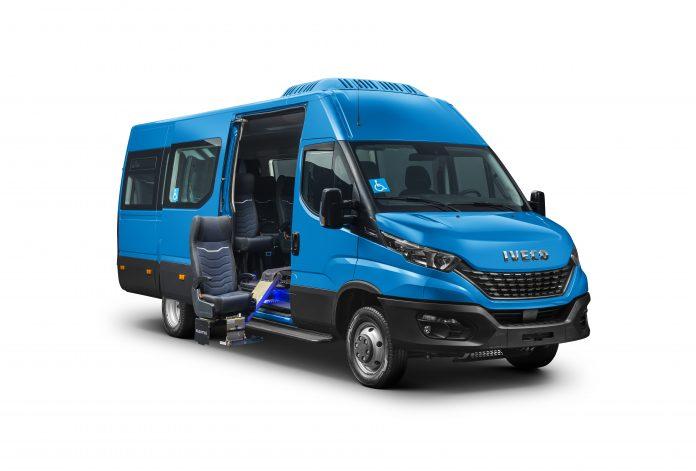 A Iveco Bus apresentou o novo Daily Minibus nas versões 45.170 e 50.170, para uso no Fretamento e Turismo, que apresenta um novo design