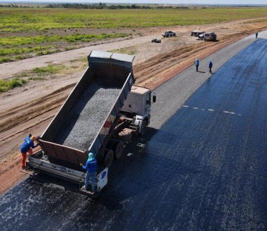 A TO-247 começou a receber os primeiros metros de 'capa asfáltica' no trecho de 50 km entre Lagoa do Tocantins e São Felix. De acordo com o pavimentação