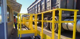 O Porto de Imbituba recebeu, no fim de julho, as novas plataformas e escadas de apoio às balanças rodoviárias 1 e 2. As estruturas foram construídas em PRFV