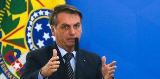 O presidente da República, Jair Bolsonaro (sem partido), afirmou que deve utilizar R$ 15 bilhões destinados a subsídios para zerar os impostos do diesel