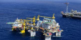 A Petrobrás investe cerca de R$ 10 milhões para melhorias no Centro de Operações Integradas (COI) da Bacia de Campos. A estrutura acompanha produção.